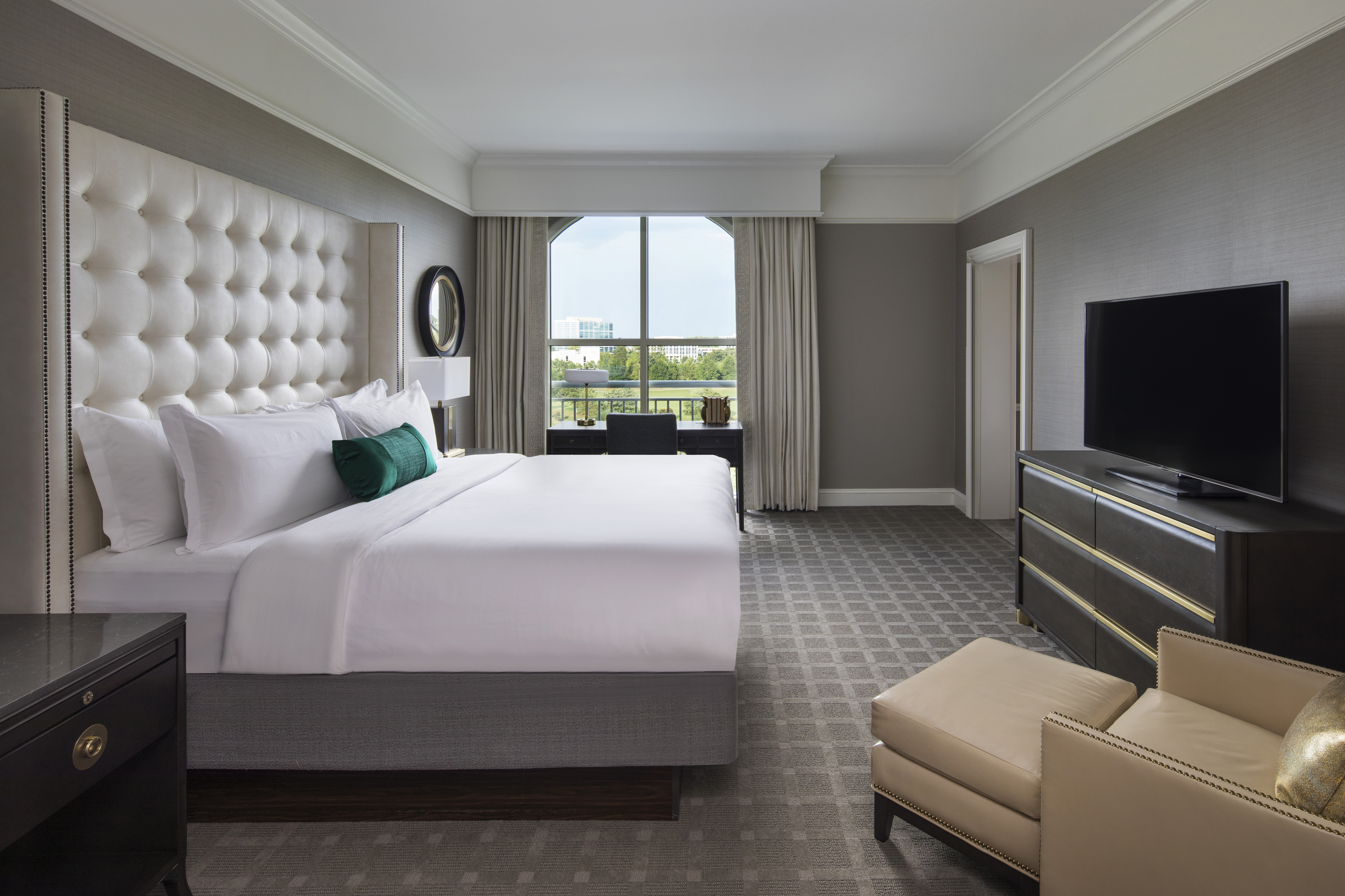 Hotels accommodations in charlotte nc at the ballantyne for Design hotel awards